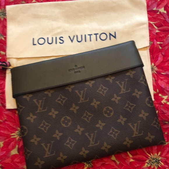 03ad061be082 Louis Vuitton Handbags - Louis Vuitton POCHETTE TUILERIES Clutch NWOT